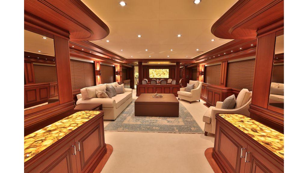 2012 Classic design motoryacht (131)