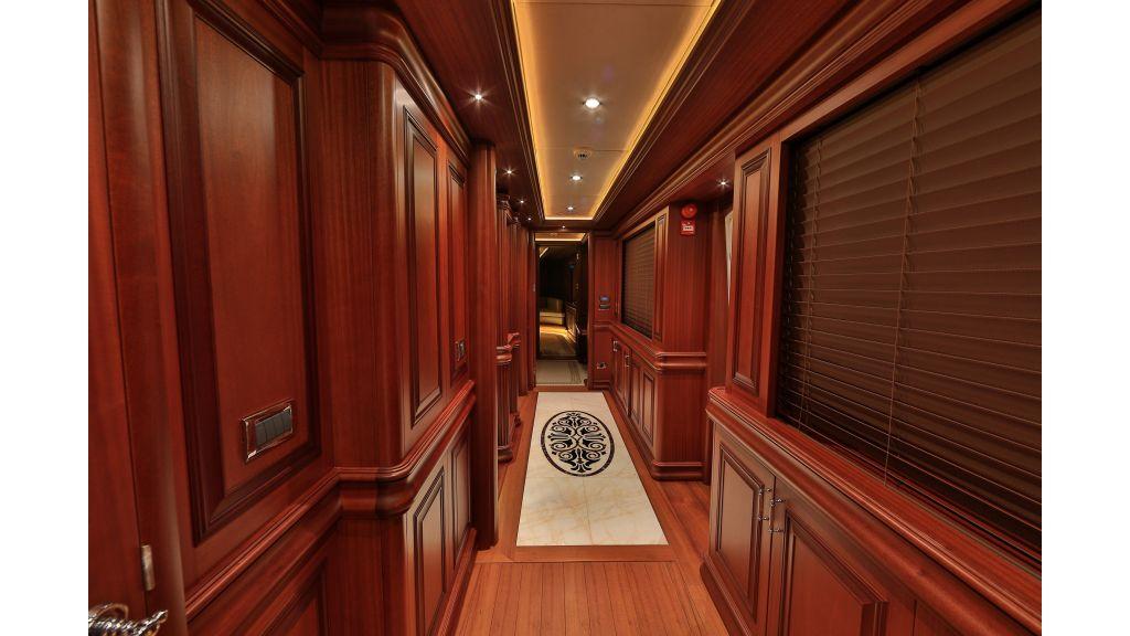 2012 Classic design motoryacht (135)