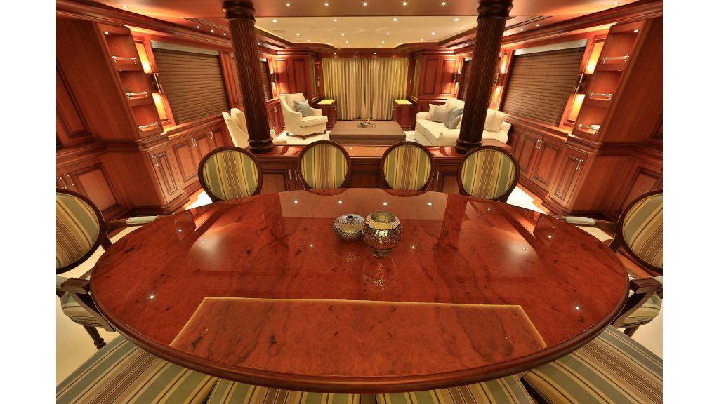 2012 Classic design motoryacht (139)