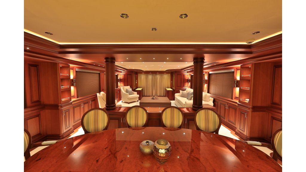 2012 Classic design motoryacht (140)