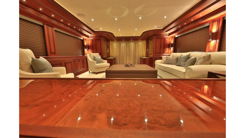 2012 Classic design motoryacht (142)