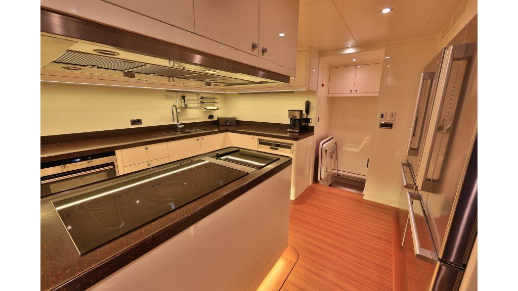 2012 Classic design motoryacht (144)