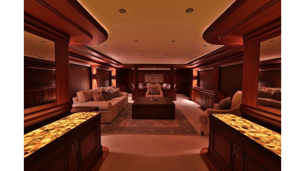 2012 Classic design motoryacht (148)