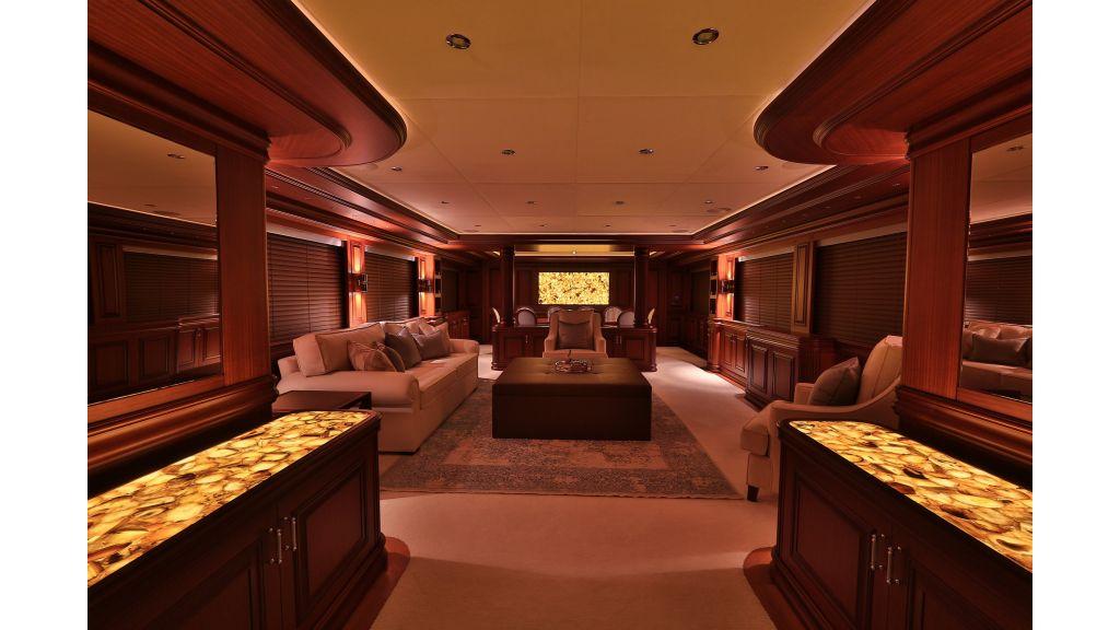 2012 Classic design motoryacht (149)
