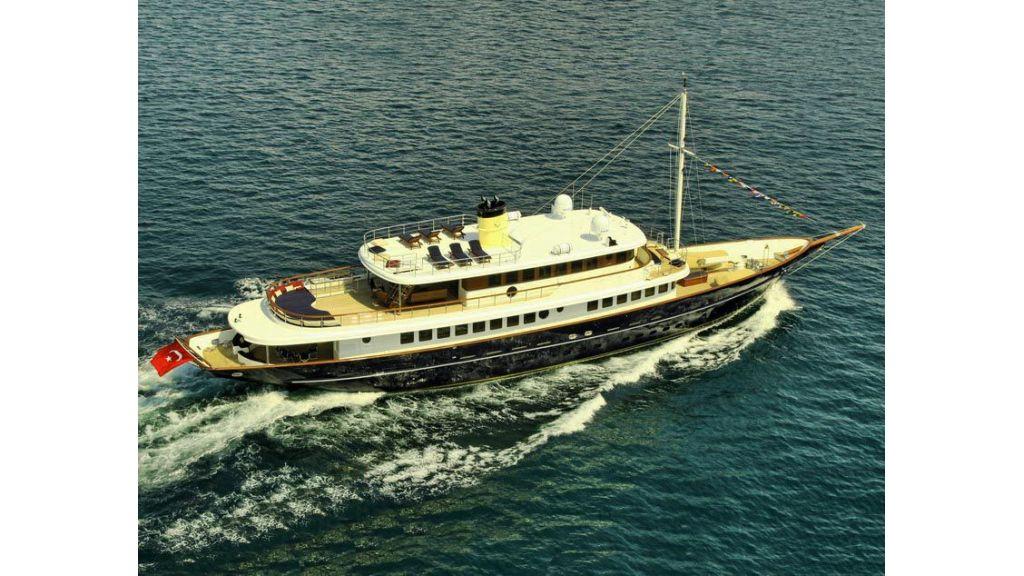 2012 Classic design motoryacht (150)