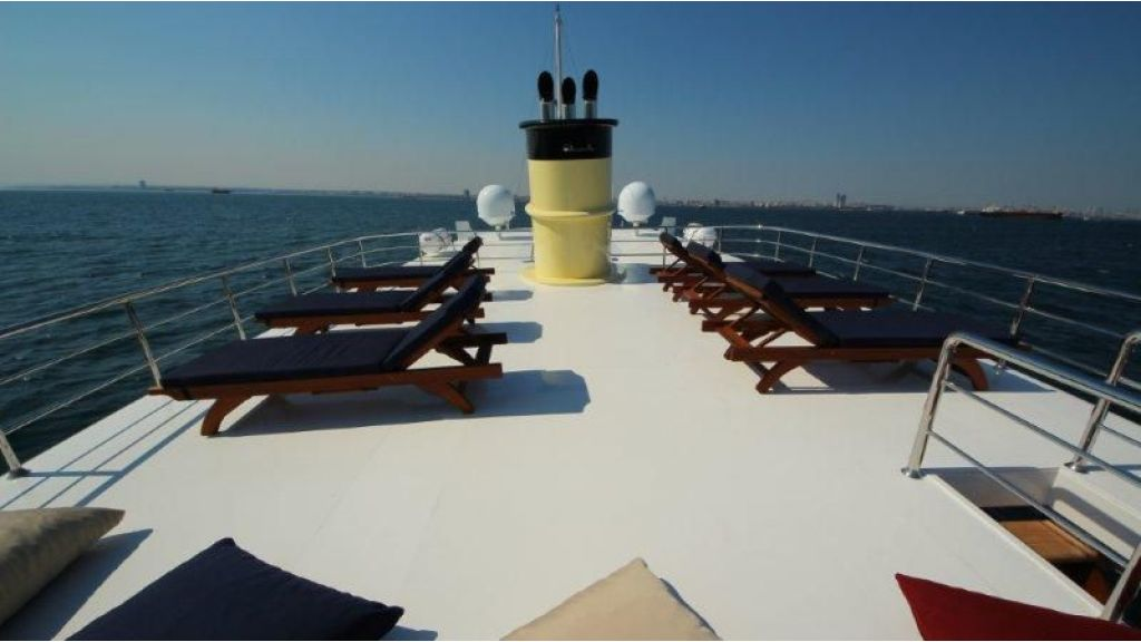 2012 Classic design motoryacht (162)