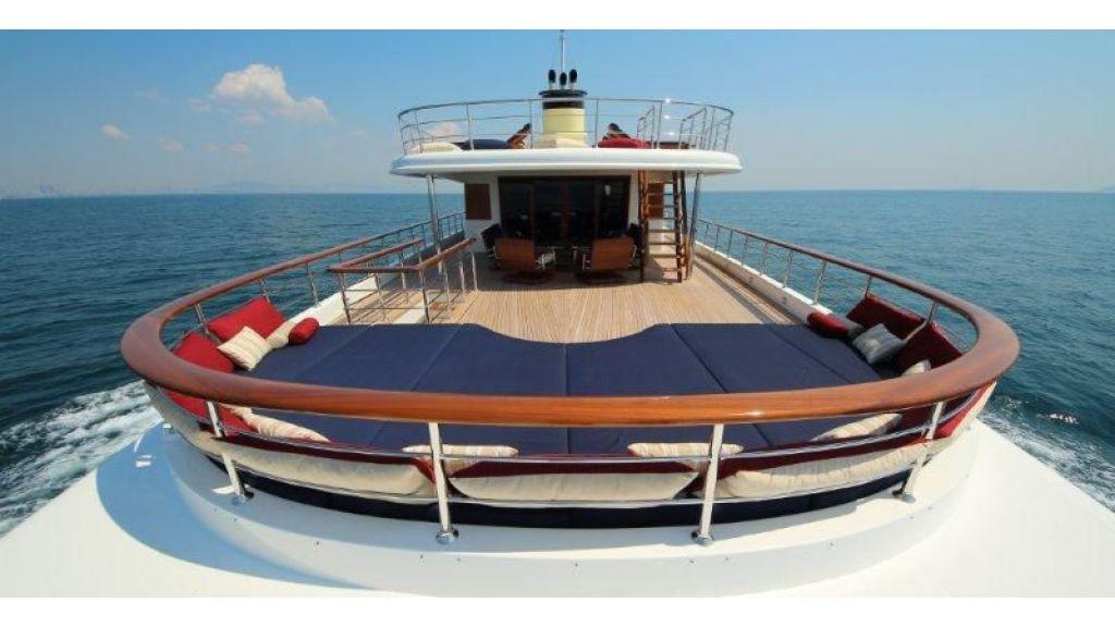 2012 Classic design motoryacht (164)