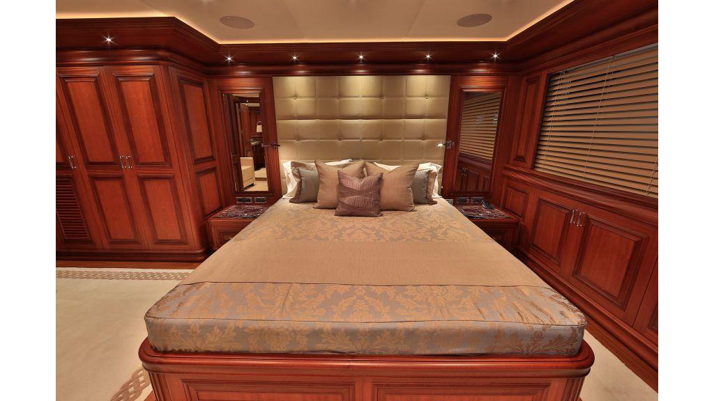 2012 Classic design motoryacht (81)