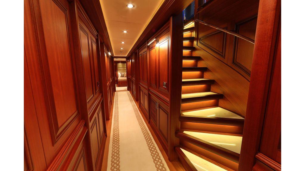 2012 Classic design motoryacht (87)