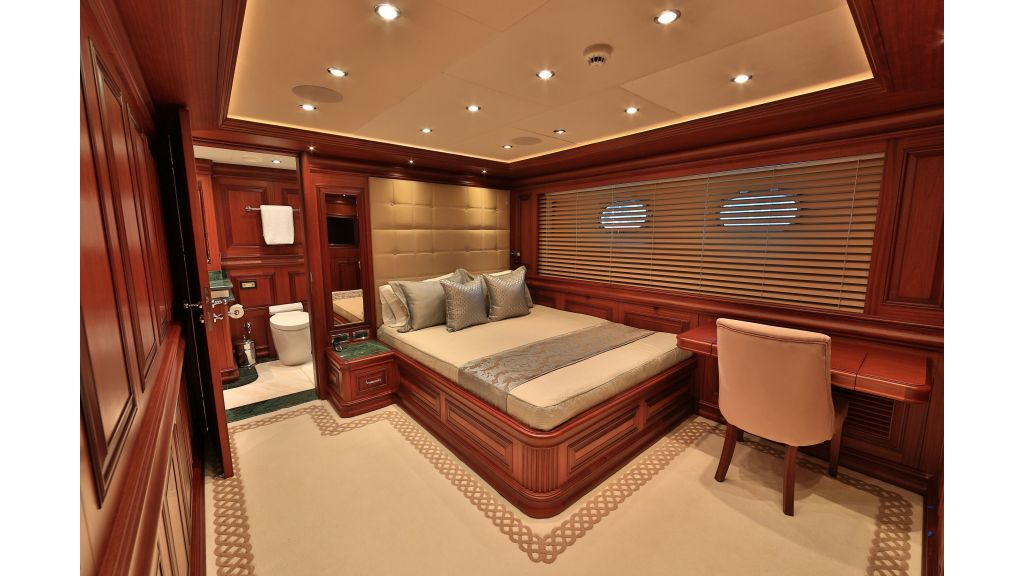 2012 Classic design motoryacht (88)