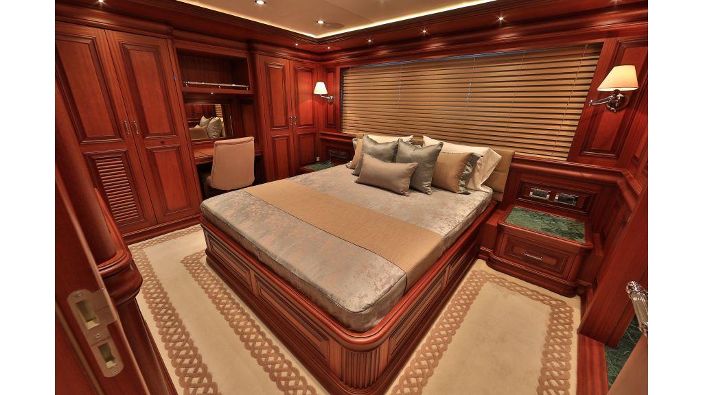 2012 Classic design motoryacht (99)