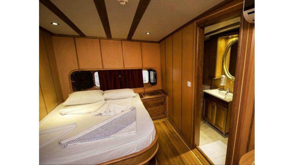 42 m schooner for sale (10)