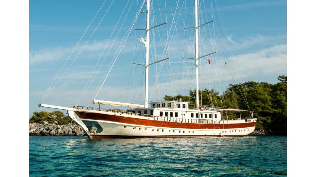 42 m schooner for sale (18)