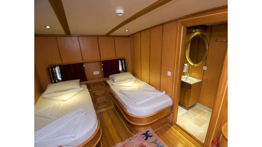 42 m schooner for sale (2)