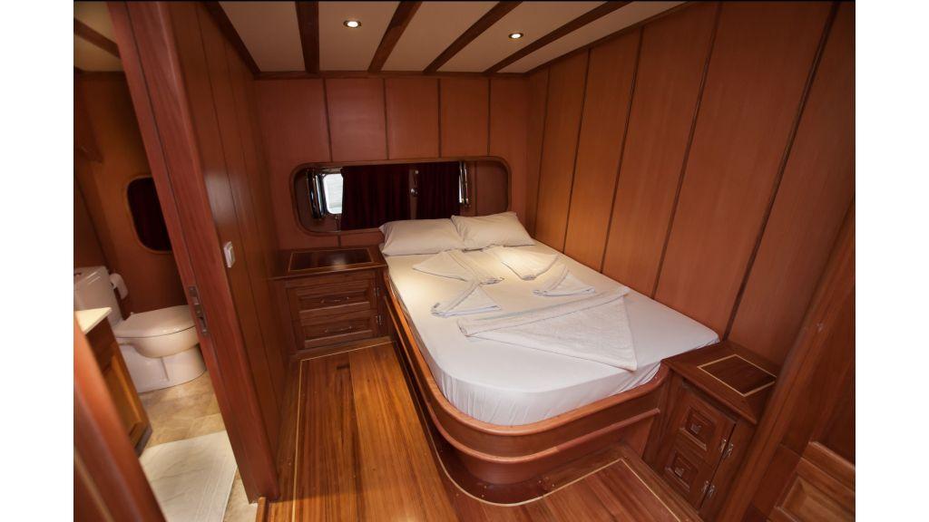 42 m schooner for sale (22)