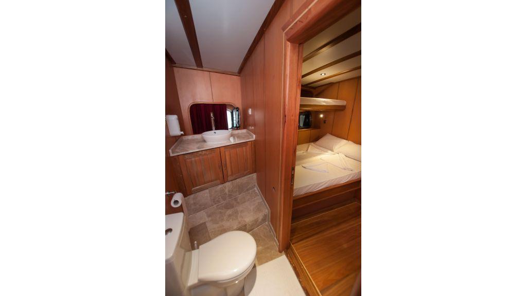 42 m schooner for sale (26)