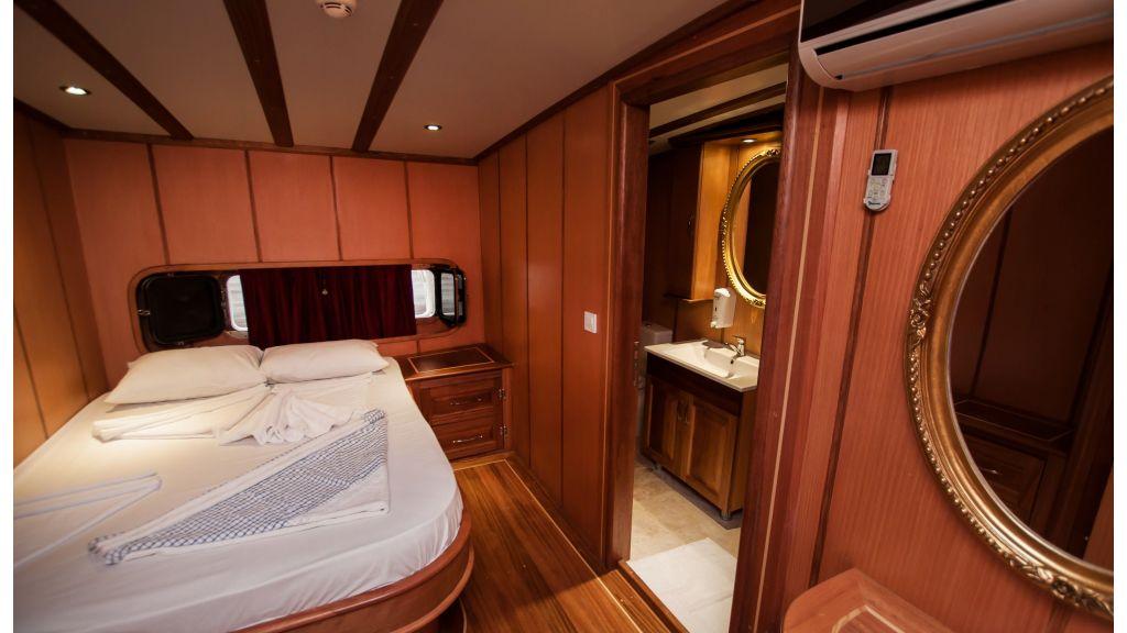 42 m schooner for sale (28)