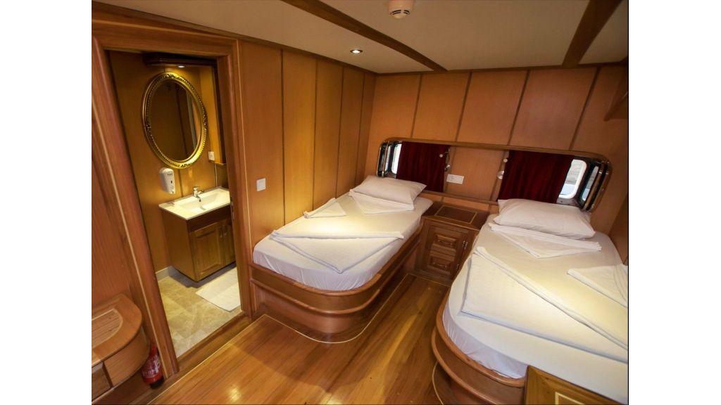 42 m schooner for sale (4)