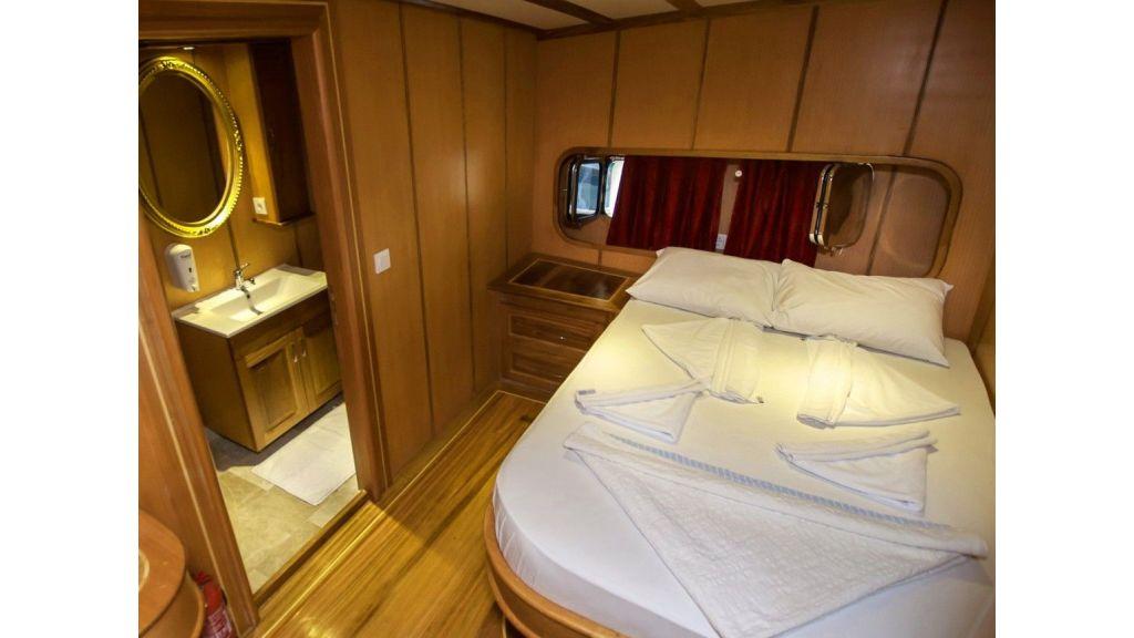 42 m schooner for sale (6)