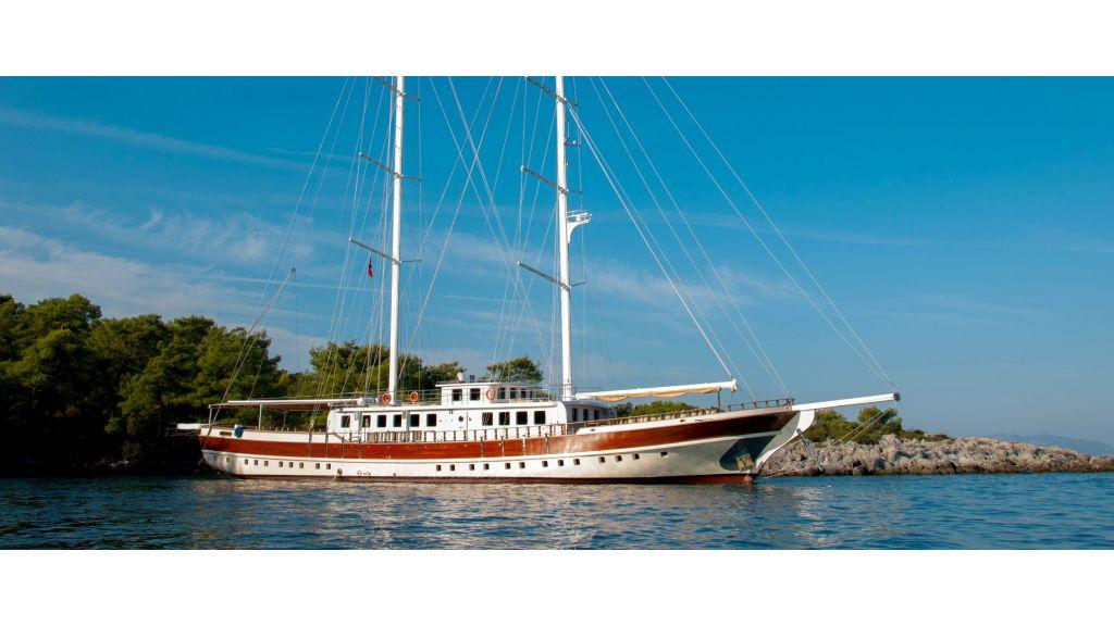 42 m schooner for sale