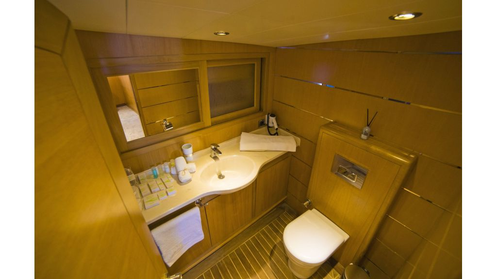 Luxury 5 Cabins Gulet (11)