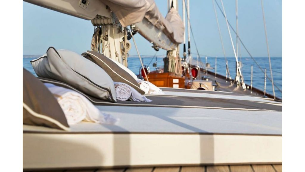Luxury Sailing Yacht for sale (11)