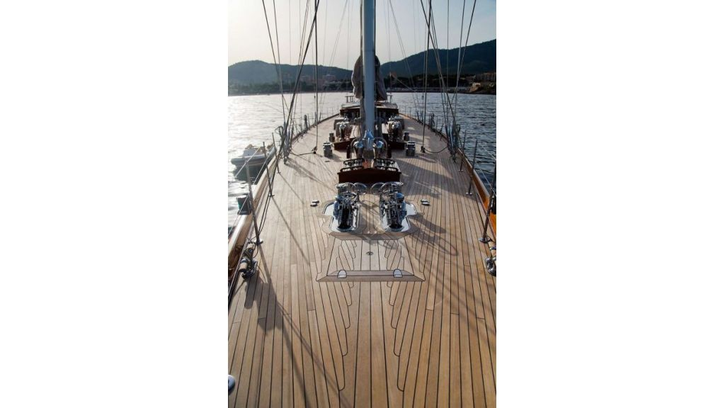 Luxury Sailing Yacht for sale (14)