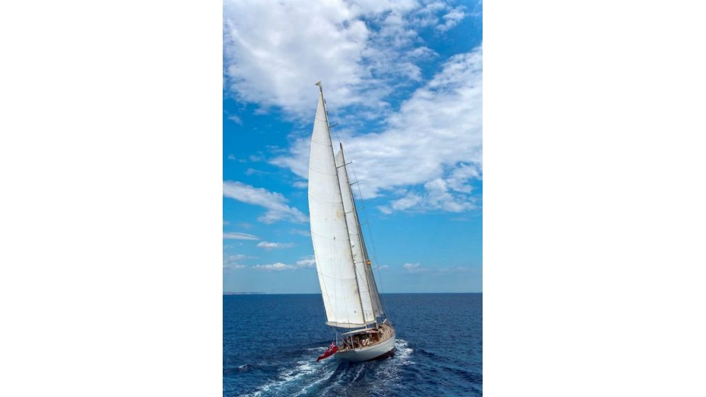 Luxury Sailing Yacht for sale (19)