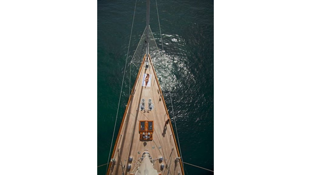 Luxury Sailing Yacht for sale (24)