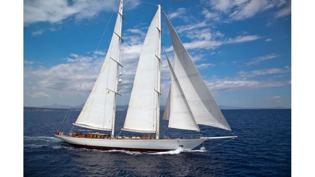 Luxury Sailing Yacht for sale (25)