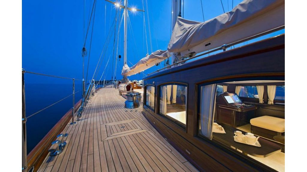 Luxury Sailing Yacht for sale (32)
