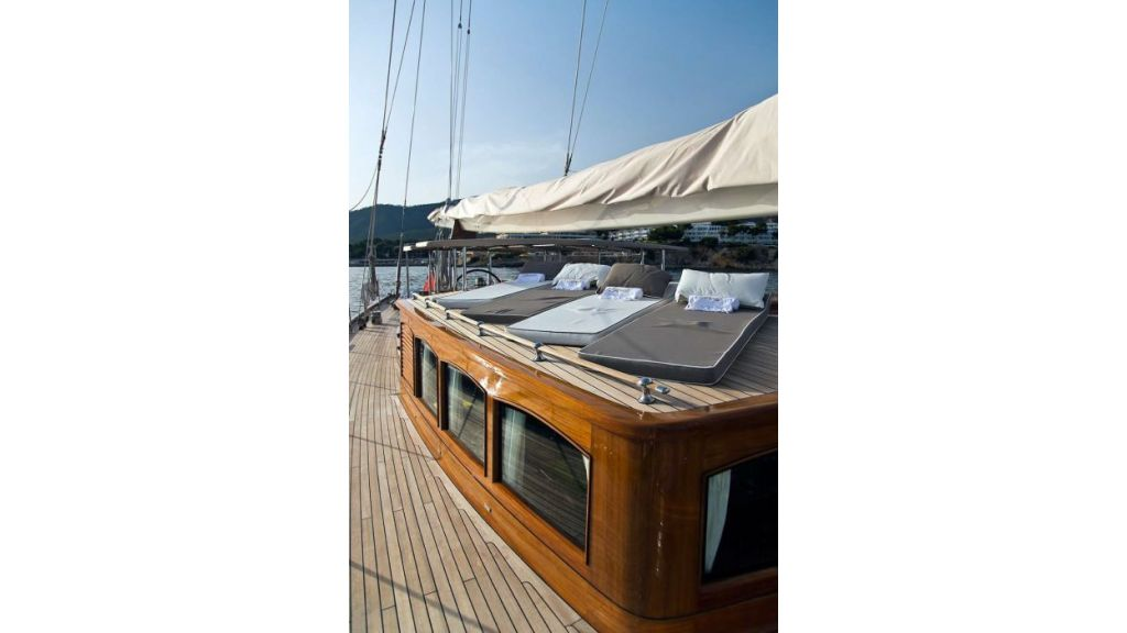 Luxury Sailing Yacht for sale (33)