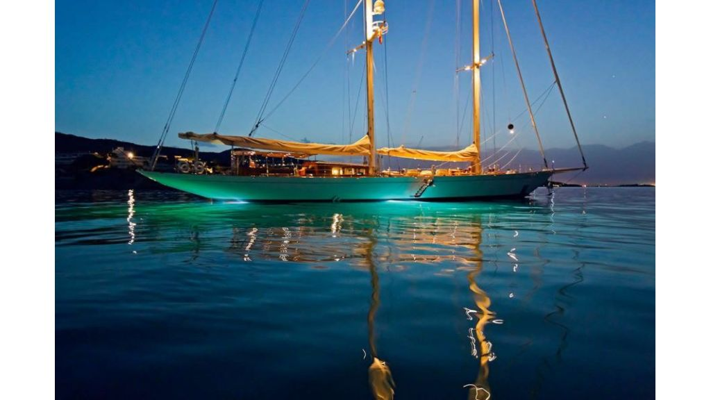 Luxury Sailing Yacht for sale (4)