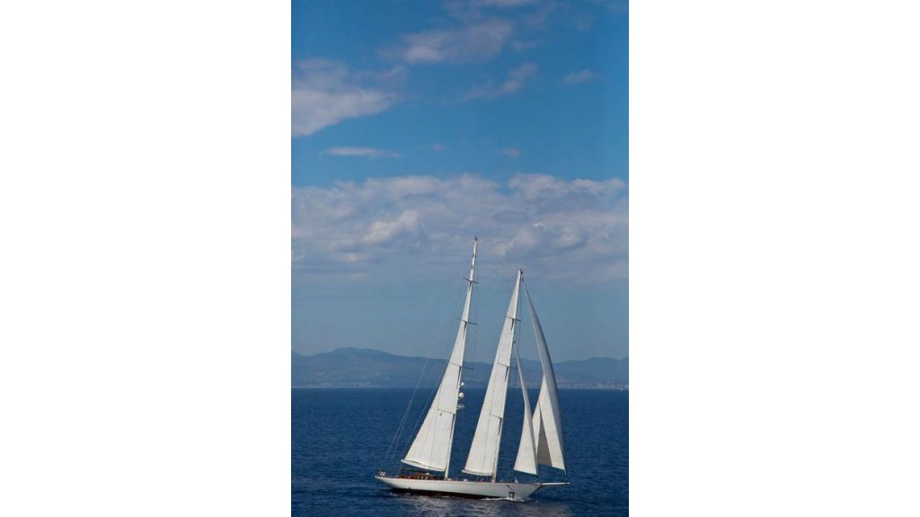 Luxury Sailing Yacht for sale (41)