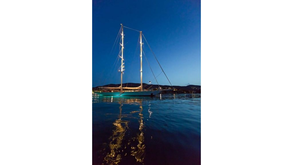 Luxury Sailing Yacht for sale (5)