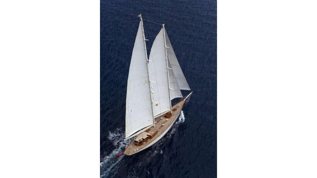 Luxury Sailing Yacht for sale (9)