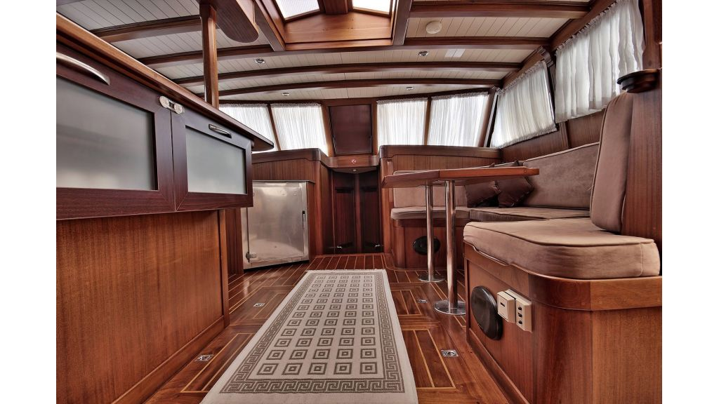 Sailing Yacht isla (17)