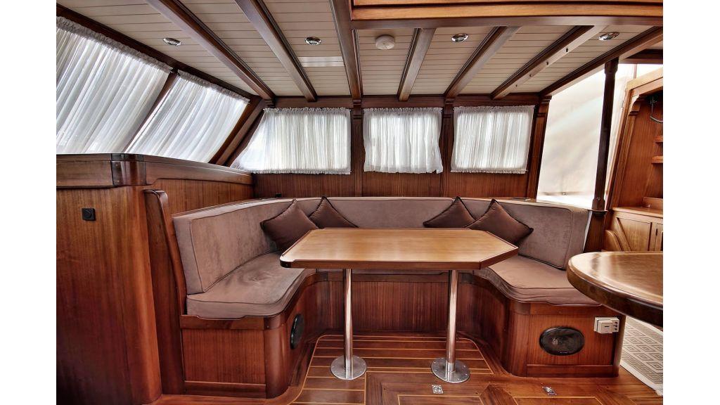 Sailing Yacht isla (18)