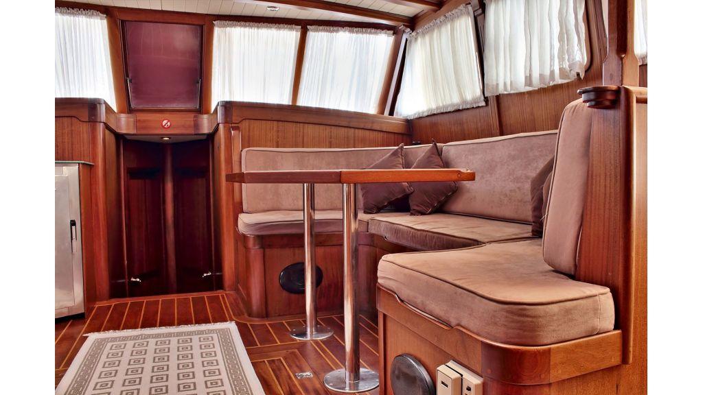 Sailing Yacht isla (20)