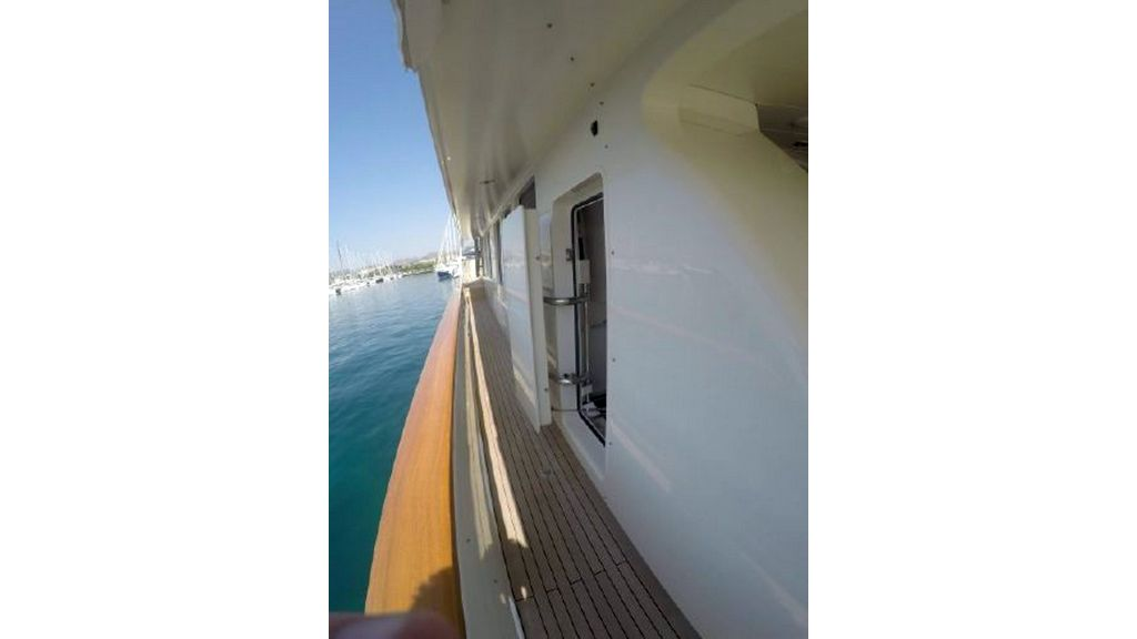 trawler motor yacht (27)
