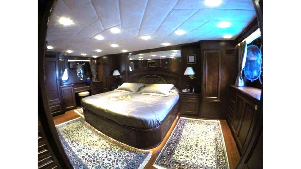 trawler motor yacht (32)