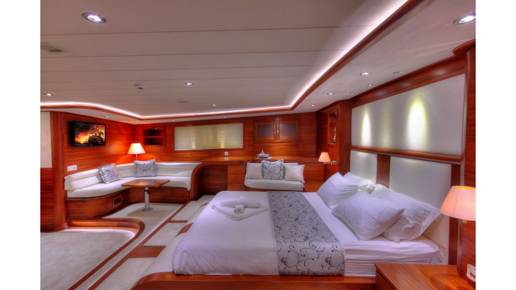 Alessandro Luxury sailing yacht (26)