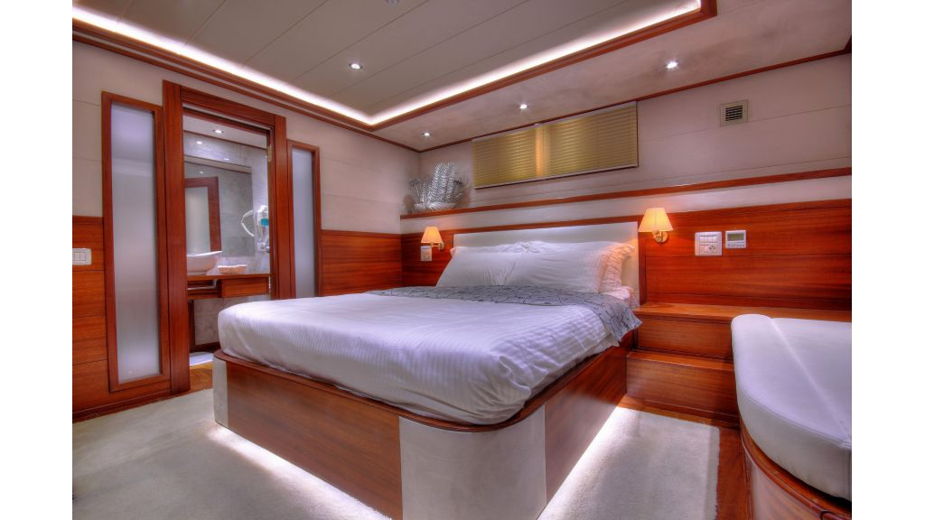 Alessandro Luxury sailing yacht (29)
