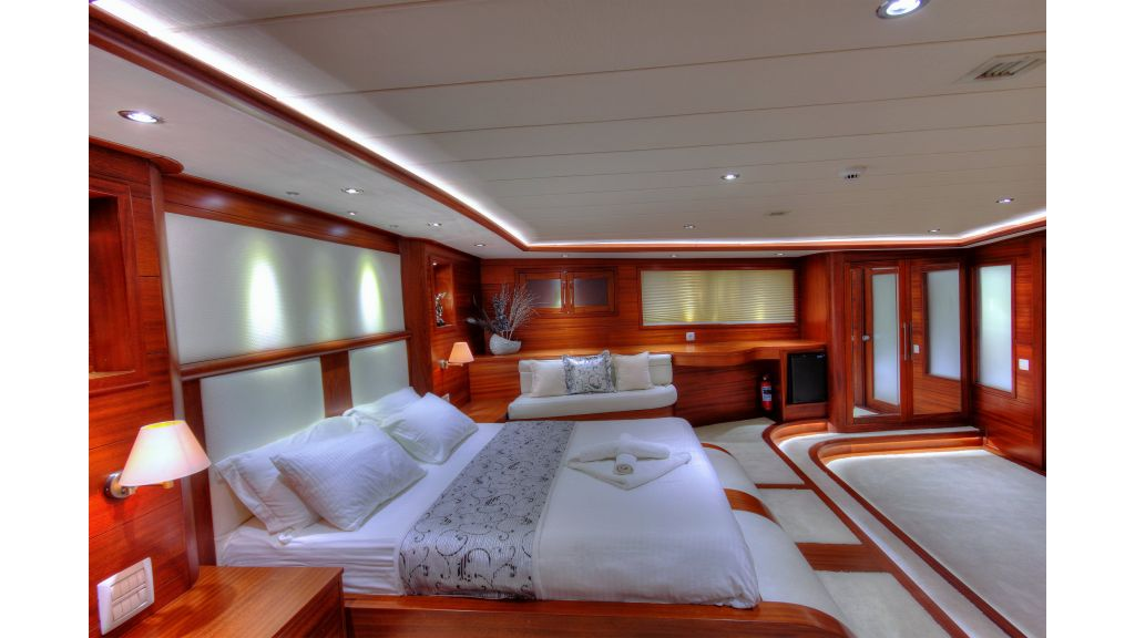 Alessandro Luxury sailing yacht (31)