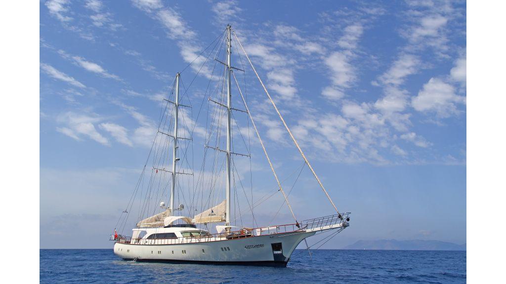 Alessandro Luxury sailing yacht (5)