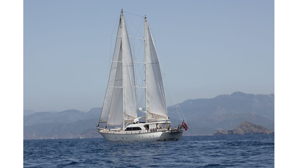 Alessandro Luxury sailing yacht (6)