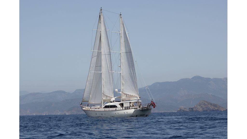 Alessandro Luxury sailing yacht (6)