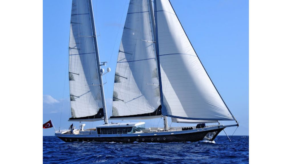 2011-custom-designed-schooner (6)