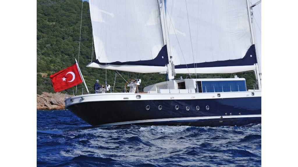 2011-custom-designed-schooner (9)