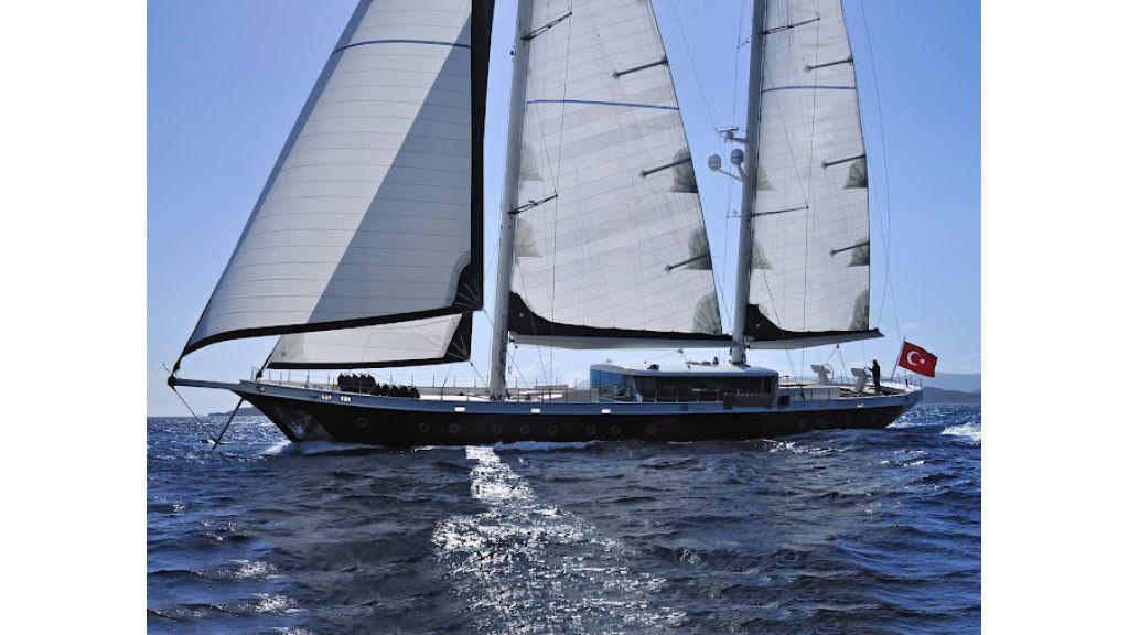 2011-custom-designed-schooner (10)